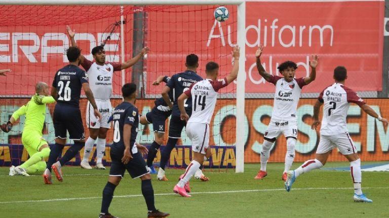 Gracias a San Sosa, Independiente igualó ante Colón | El Crack Deportivo