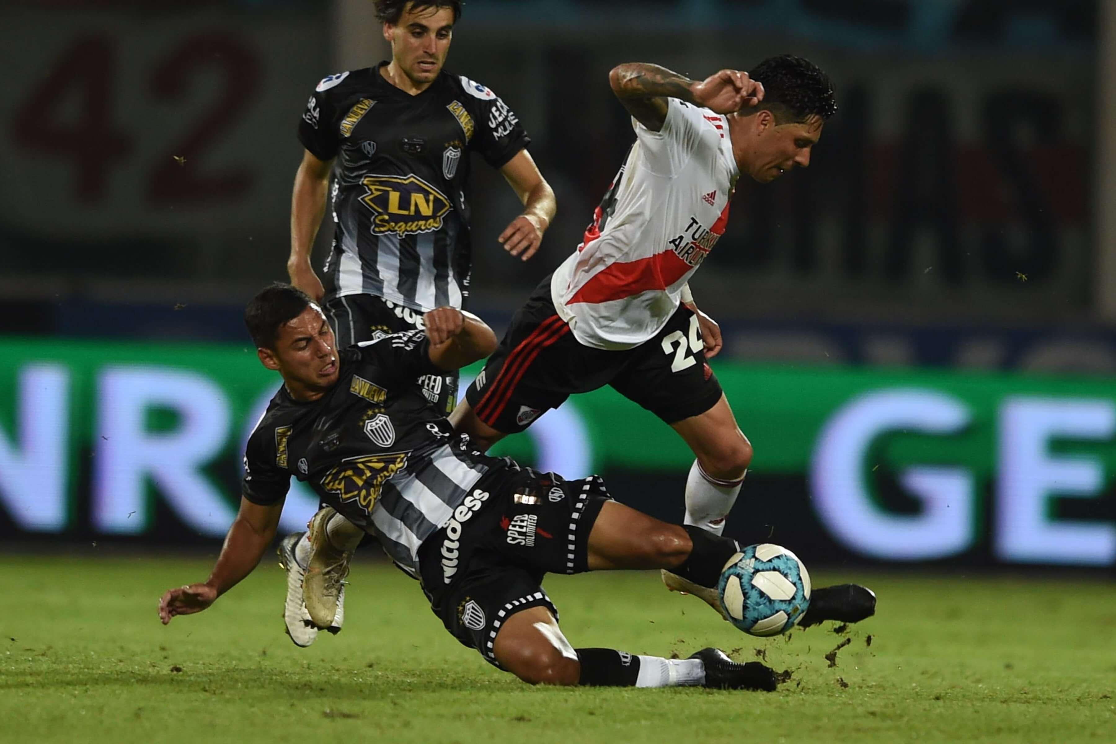 Lesion en el hombro de Enzo Pérez