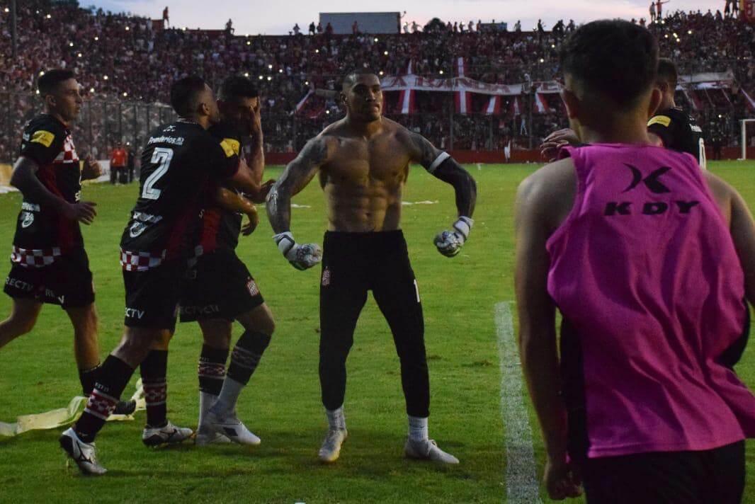 Arce le dio el empate a San Martín ante Instituto