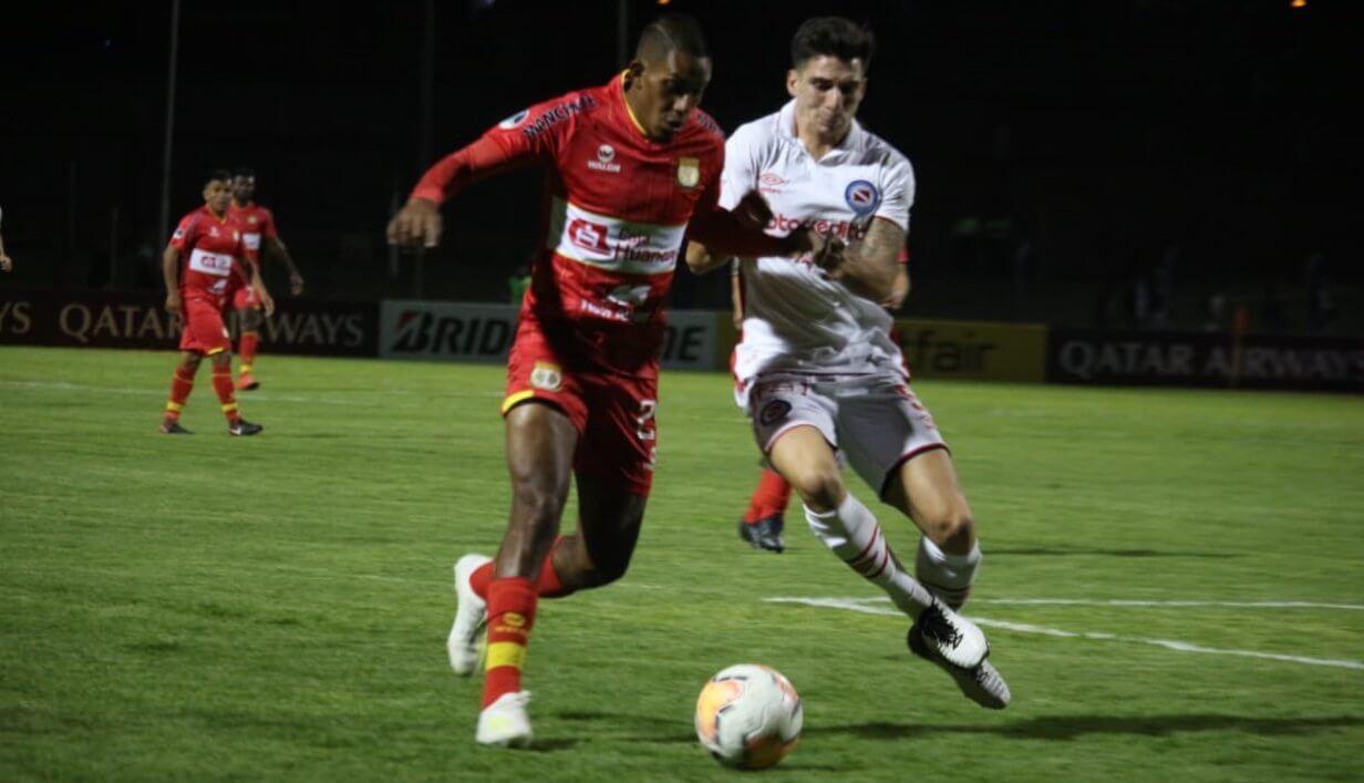 Argentinos Sport Huancayo Copa Sudamericana