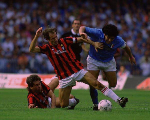 Franco Baresi Diego Maradona defensor italiano